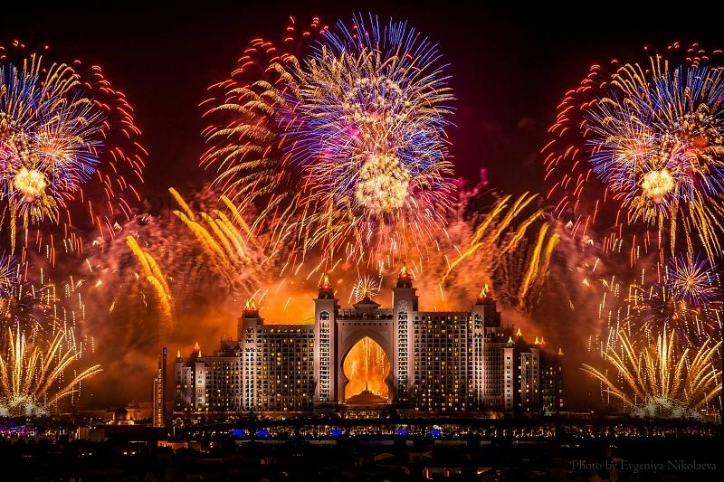 Новогодний фейерверк в Дубаи